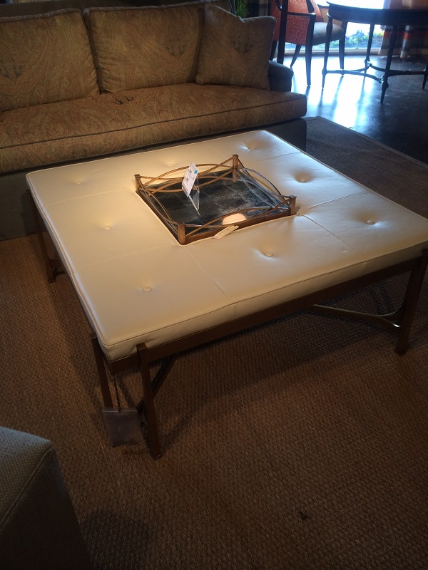 2.Tres square table resized